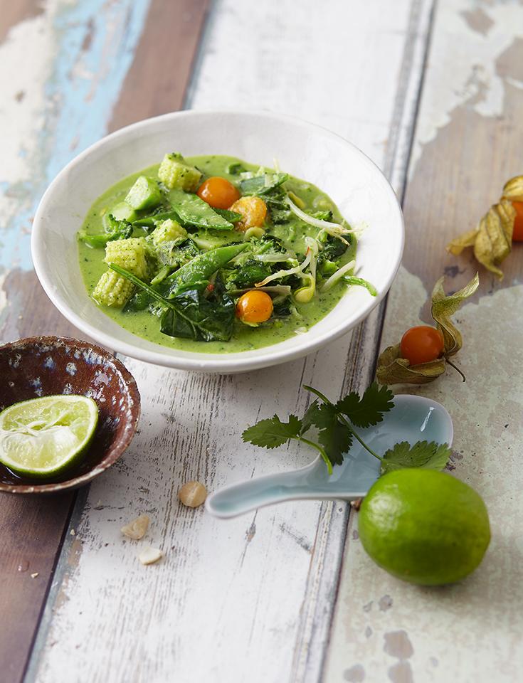 Grün leben mit Superfood Rezepten: Kochen mit Superfoods – Grünes Thai-Curry mit Kokosmilch