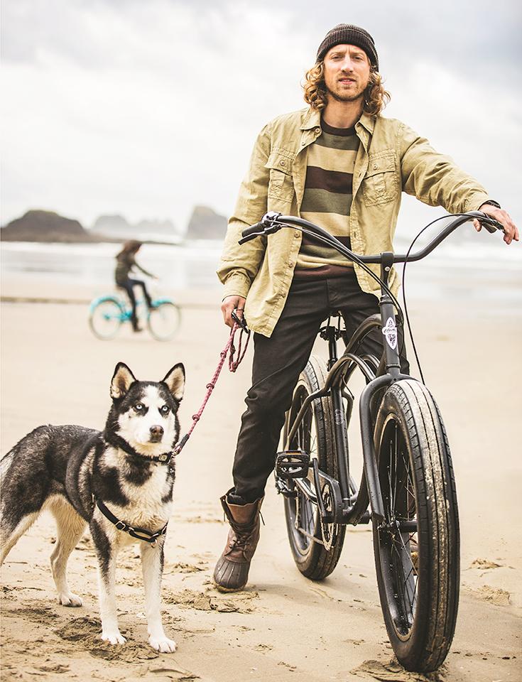 peppermynta-peppermint-electra-bike-townie-strand-beach-dog