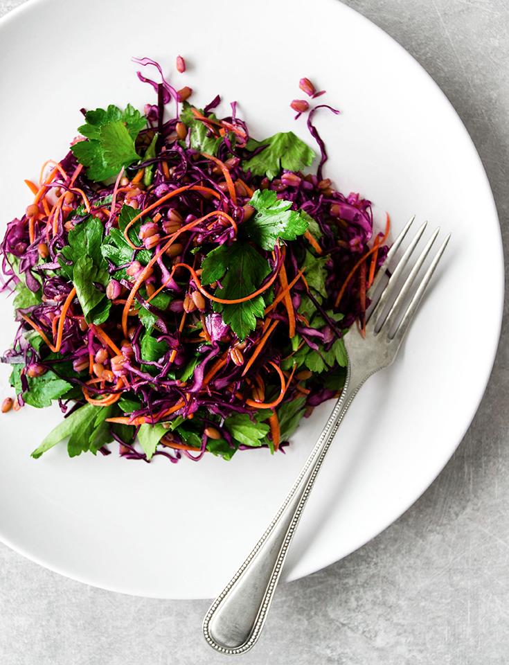 Eco Lifestyle, Gesunde Ernährung: Gegessen wird immer – Online Shop für Lebensmitttel– Crunchy Emmer Salat