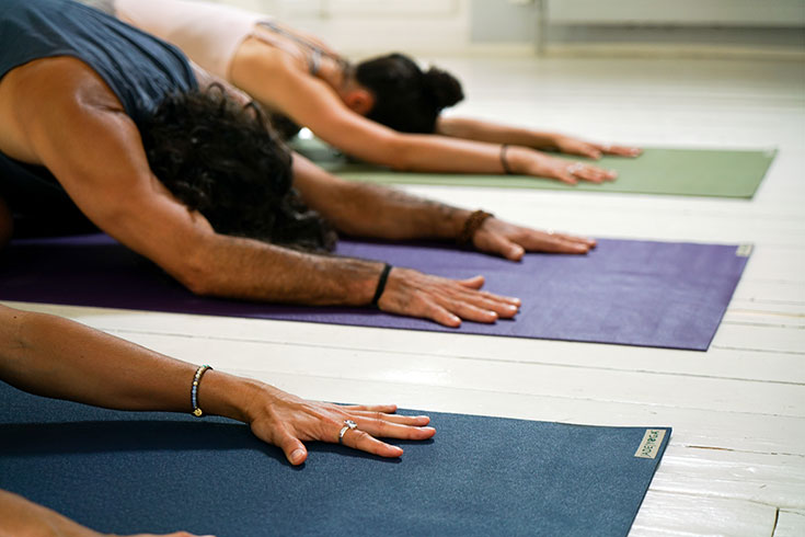 Nachhaltige Yoga Matten, unsere liebsten Eco Yogamatten. Öko Matten aus Naturkautschuk, ökologische Yogamatten für Meditation und Pilates: Jade Yoga