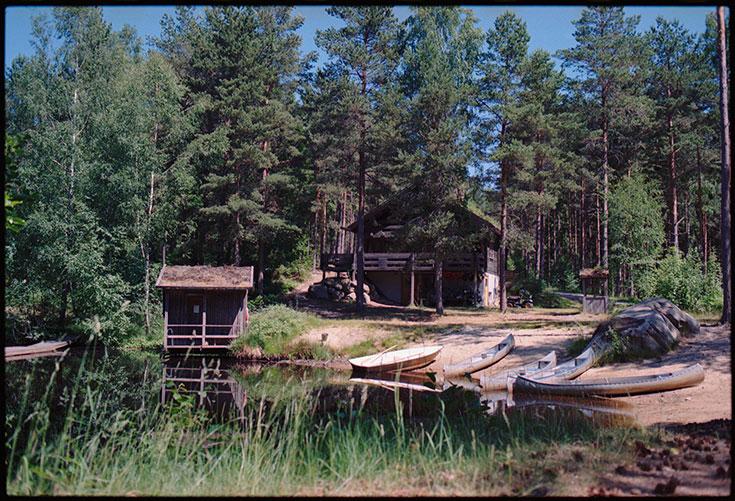Eco-Lifestyle-Slow-Travel-achtsam-Reisen-Vildmarks-Camping-Schweden-Van-Wohnmobil-Wald-Kanu-Kanus