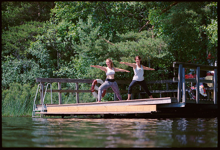 Eco-Lifestyle-Slow-Travel-achtsam-Reisen-Vildmarks-Camping-Schweden-Van-Wohnmobil-Yoga