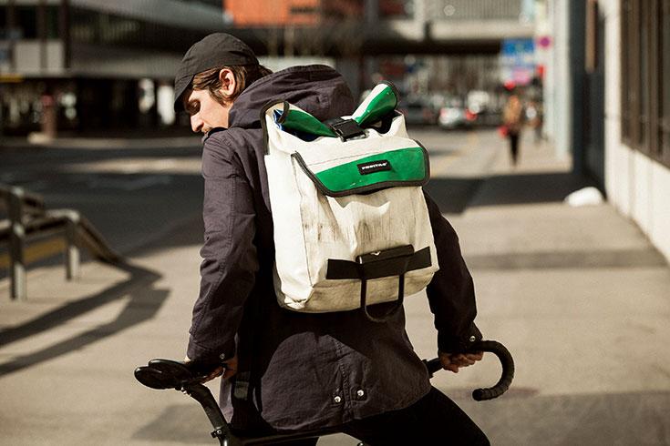 Fair-Fashion-Eco-Taschen-nachhaltige-Handtasche-vegetabil-gegerbt-Clutch-Shopper-Freitag