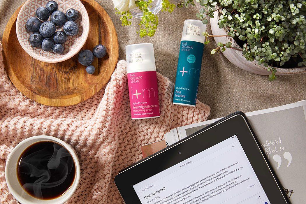 i-plus-m-Naturkosmetik-Anti-Blue-Light-Effekt-vegane-Kosmetik-Hautpflege