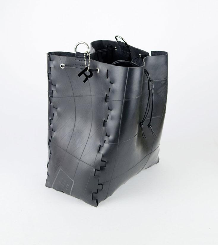 Peppermynta Peppermint Fair Fashion, Slow Fashion, grüne Mode und nachhaltige Mode: Reclaim Bags: vegane Tasche vegane Tasche aus alten Gummischläuchen, upcycling