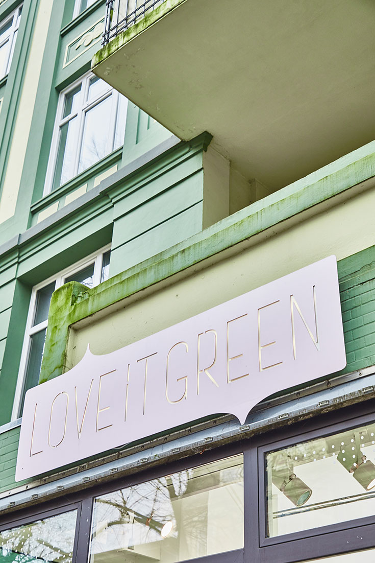 Fair in the City Guide: Wir zeigen euch Faire und vegane Mode, Naturkosmetik und Green Lifestyle Shops. Fair Fashion Stores in Hamburg: love it green