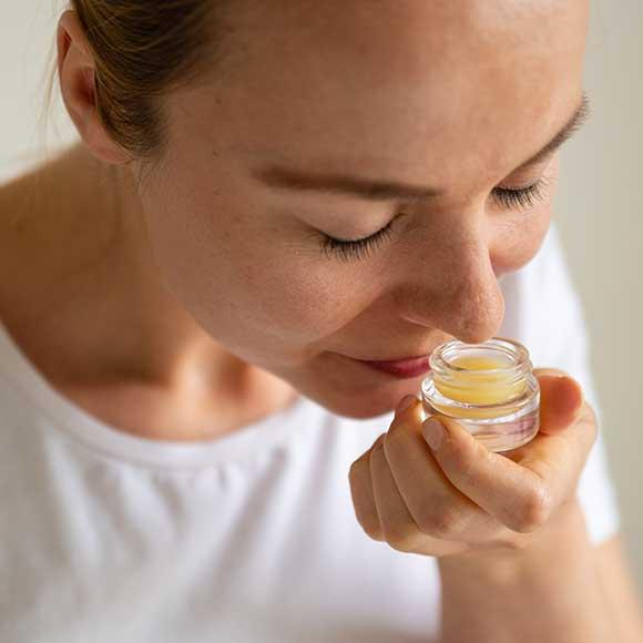 Peppermynta Brandfinder: MOY Naturkosmetik. Wertvolle biologische Öle und natürliche Inhaltsstoffe bilden die Grundlage für Hautpflegeprodukte in höchster Bio Qualität.