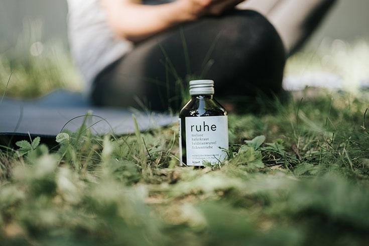 Wildkräuter zum Trinken – Kruut bringt heimische Kraftpakete in die Flasche: Tinktur, Elixier