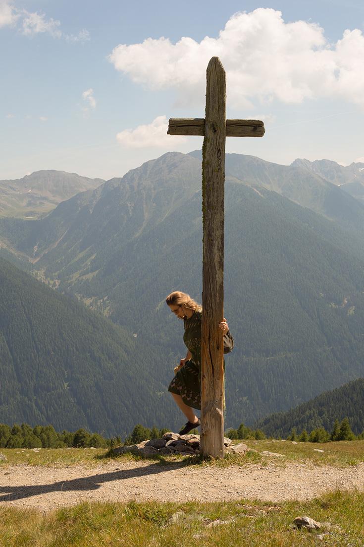 Arosea Life Balance – das Naturhotel im Ultental in Südtirol: Gipfelkreuz