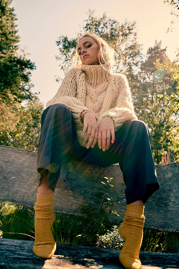 Fair-Fashion-Herbst-Slow-Fashion-Look-Outfits-Knitted-Love-Maska-Better-than-nude-Socks-Socken-I-am-in-Peace
