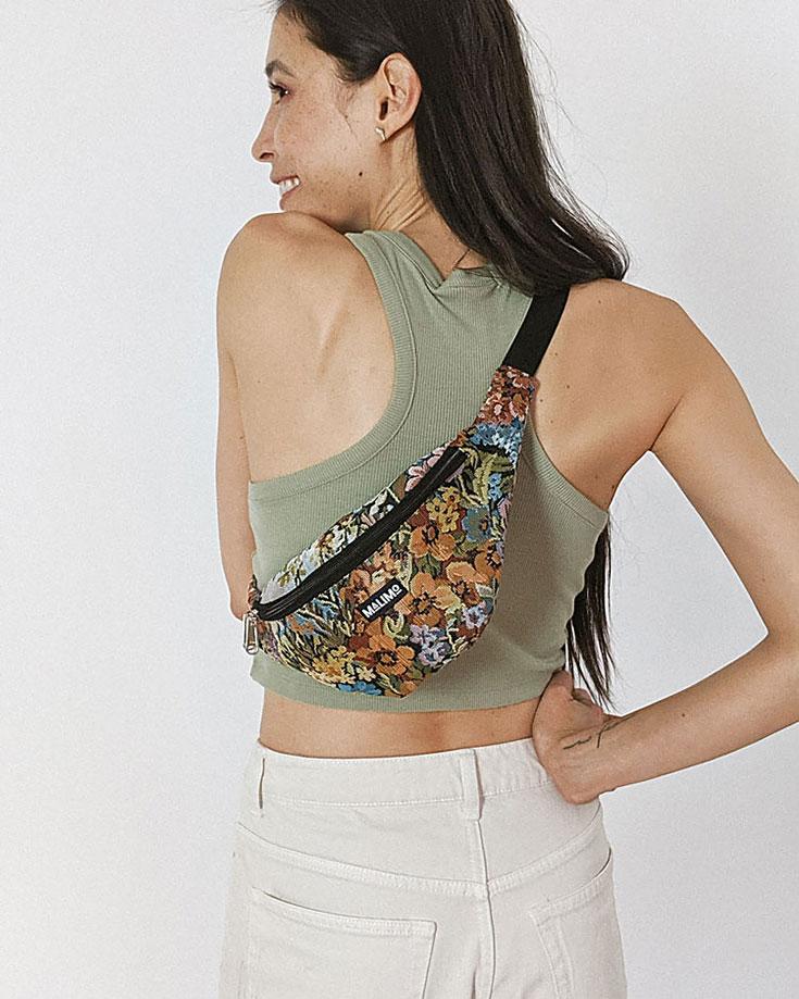 Malimo – Upcycling Bomberjacken aus Vintage Seiden Saris. Jedes Hipbag ist ein Unikat