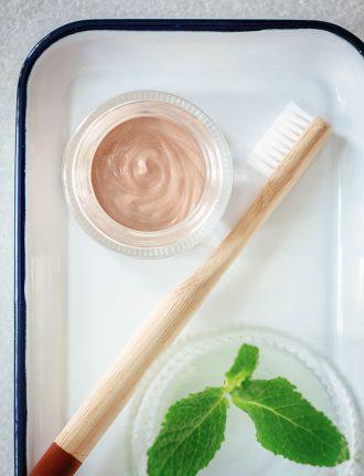 Naturkosmetik Zahncreme – DIY Kosmetik Rezept für Zahnpasta mit Sabei