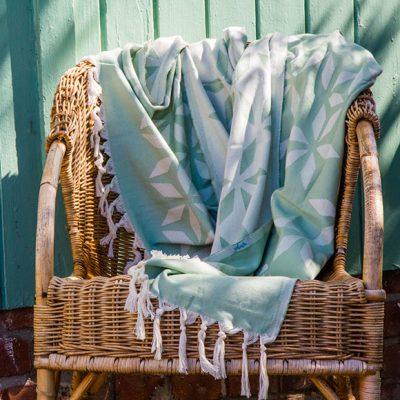 Peppermynta Brandfinder: Yolunda fertigt handgemachte Hamamtücher aus Bio-Baumwolle. Neben den multifunktionalen Tüchern findest du im Online-Shop auch weitere nachhaltige Accessoires.