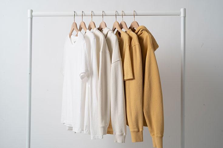 Nachhaltige Loungewear, Homewear, Athflow – Fair Fashion Sweater, Hoodie,Joggingpants, Loungekleid, Jumpsuit, Jogginghose für ein bequemes Outfit für Zuhause von Merz B. Schwanen
