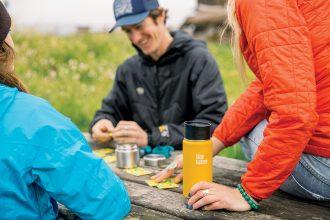Plastikfrei Trinken – nachhaltige Trinkflasche für Kinder, Thermosflasche, Thermobecher, Coffee to go, Isolierbehälter aus Edelstahl von Klean Kanteen
