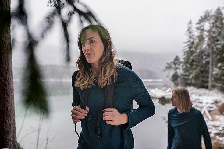Nachhaltige Outdoor Bekleidung - Worauf du beim Kauf achten solltest. Nachhaltige Outwear, faire Wanderbekleidung für Trekking, Hiking, Bergtour, Mountainbiken, nachhaltige Skimode: Bleed Clothing